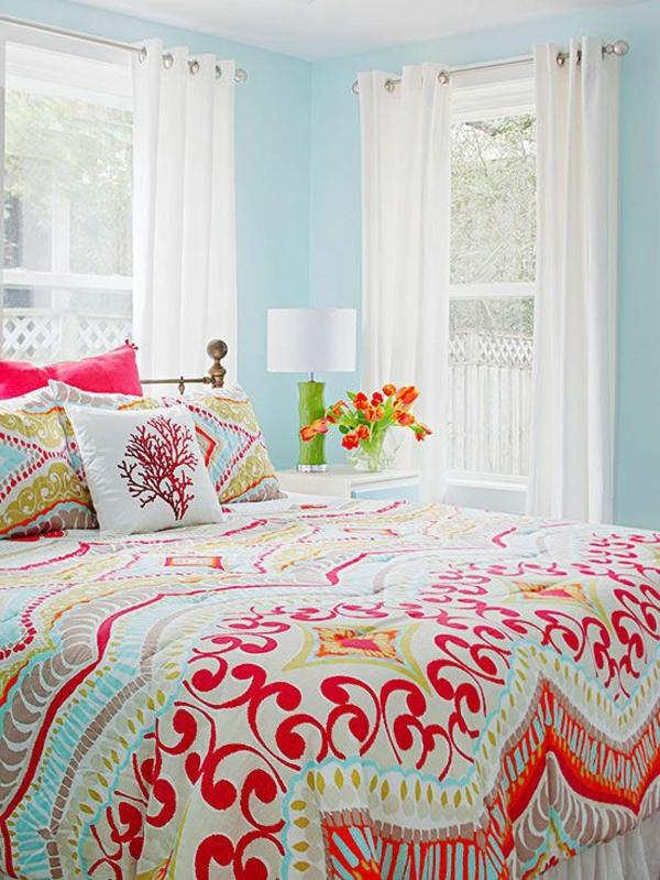 jeté-de-lit-boutis-couverture-nocturne-colore-rideaux
