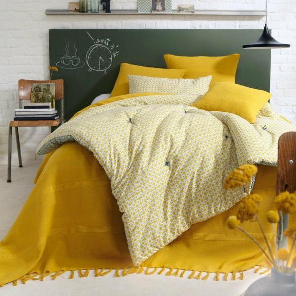 jeté-de-lit-boutis-couverture-nocturne-jaune
