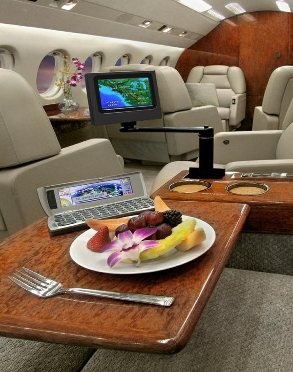 jet-fly-vente-pri-intérieur-luxe-déjeuner