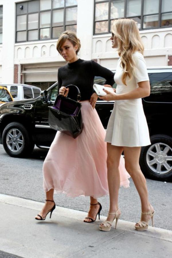 jupe-midi-longue-rose-victoria-beckam-mode-élégant