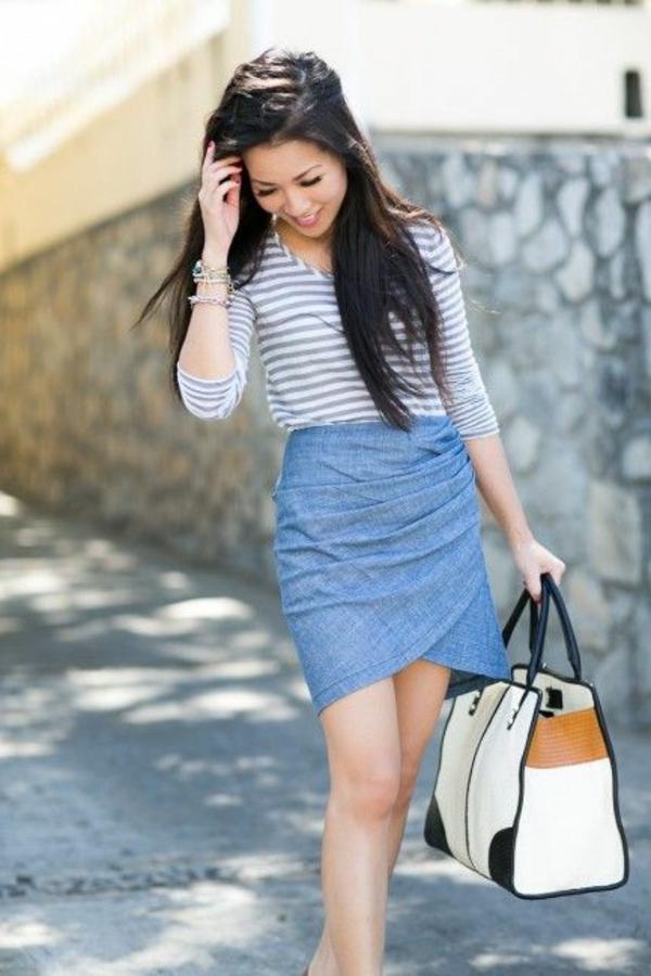 jupe-portefeuille-en-denim-bleu-clair