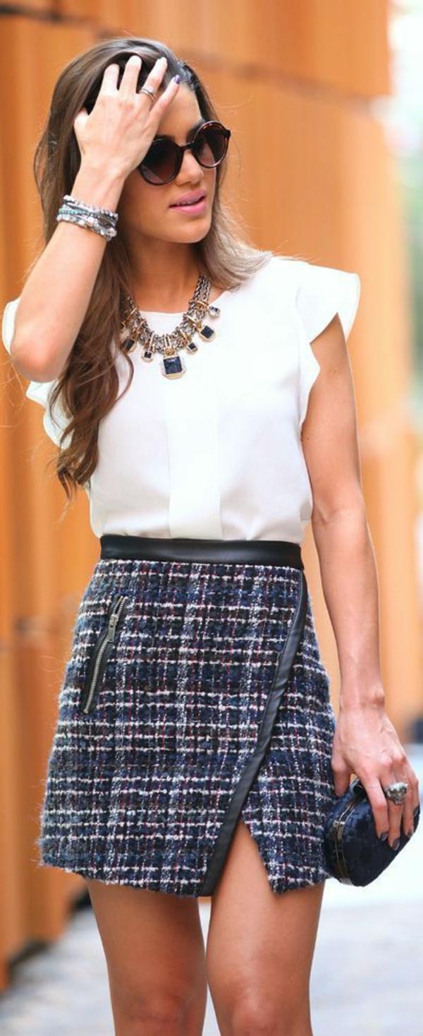 jupe-portefeuille-en-tweed-et-chemise-blanche