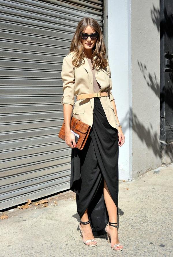 jupe-portefeuille-noire-longue-et-veste-midi-élégante