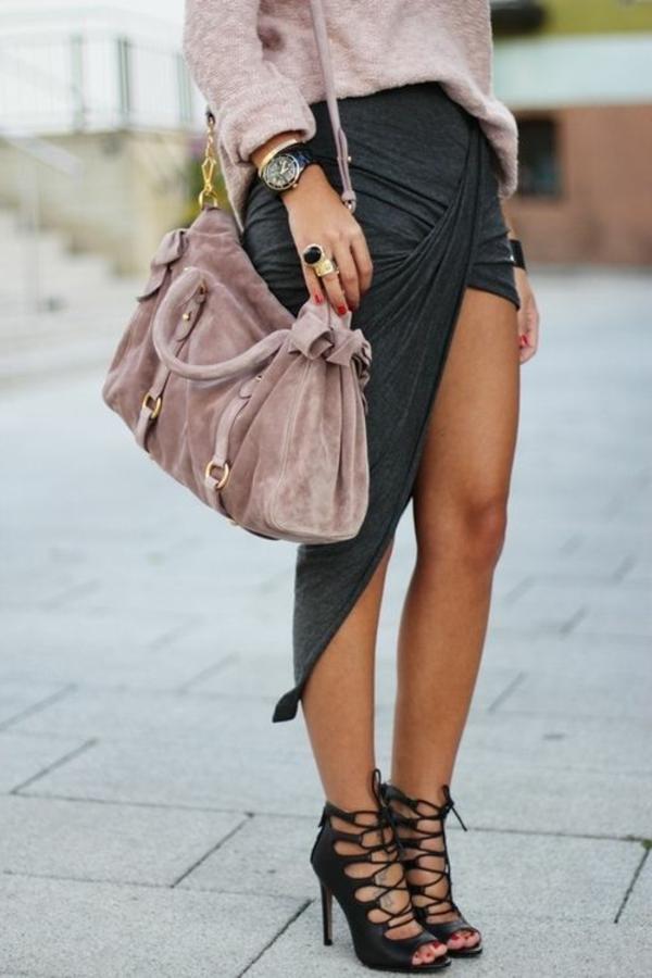 jupe-portefeuille-sandales-magnifiques-et-sac-velours