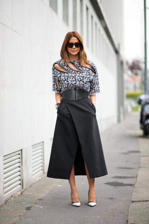jupe-portefeuille-super-élégante-et-une-chemise-élégante