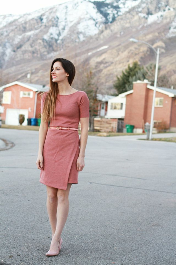 jupe-portefeuille-une-robe-portefeuille-rose-pâle