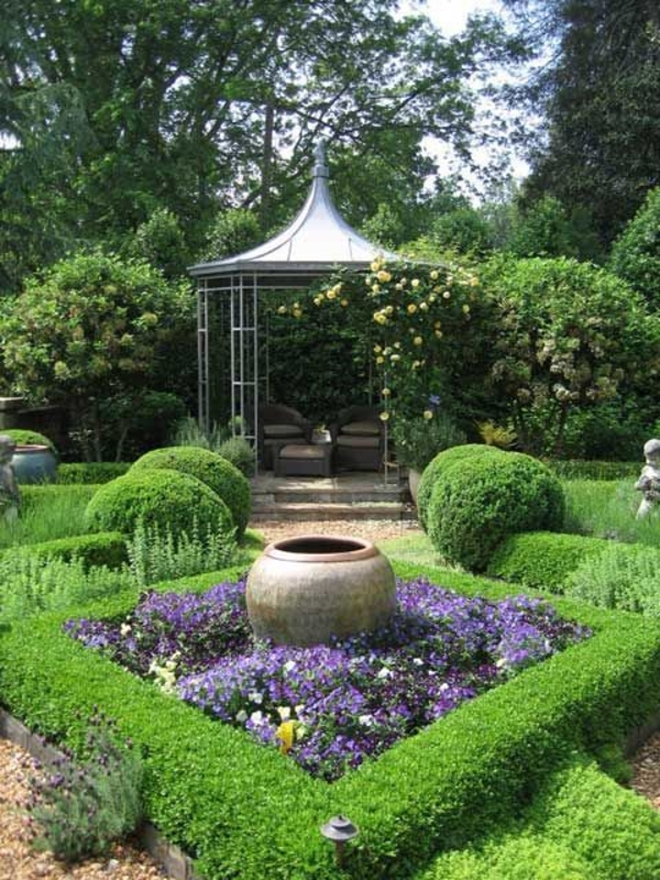 kiosque-jardin-en-bois-pelouse-fleurs-haie-vive-vert