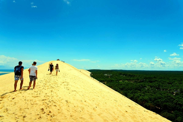 la-dune-du-pilat-lumière-fantastique-au-dessus-de-la-dune