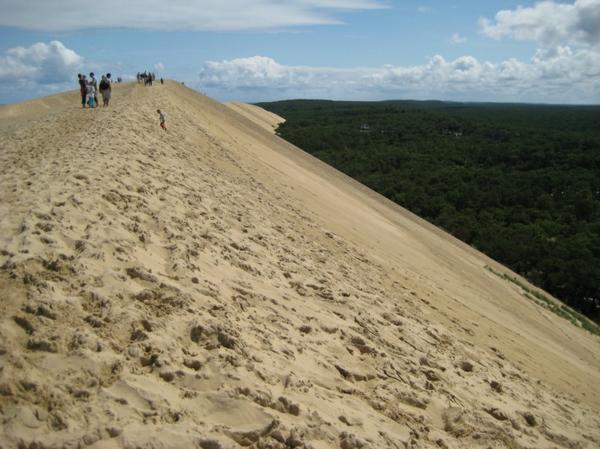 la-dune-du-pilat-promenade-au-long-de-la-crête