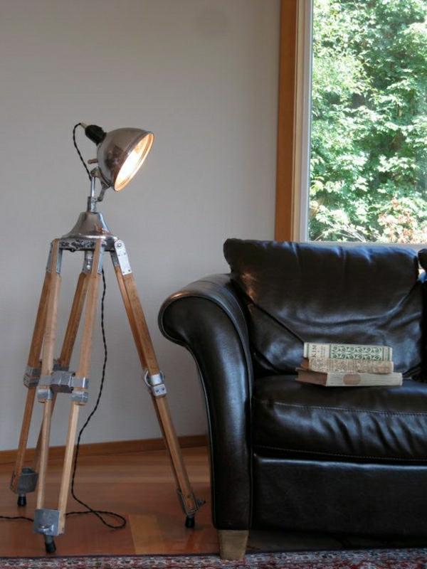 lampe-a-poser-pour-lecture-canapé-en-cuir-noir-chambre-cocooning-sol-en-lin