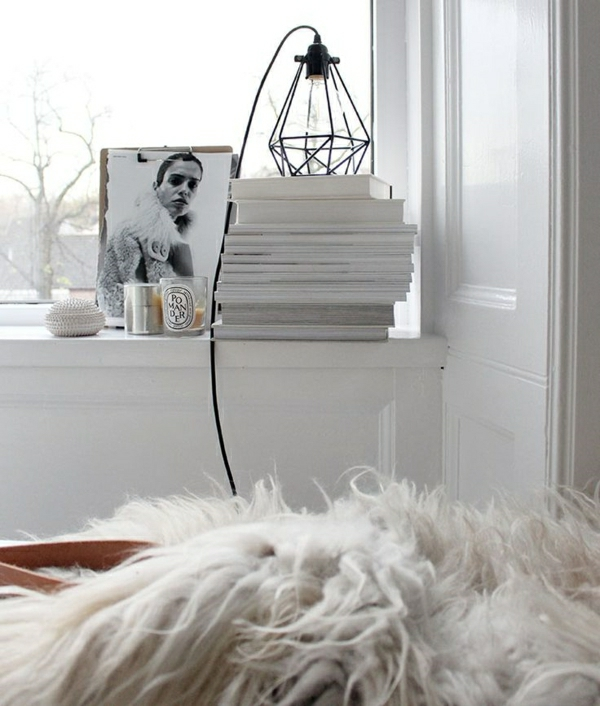 lampe-décorative-déco-blanc-chambre-cocooninglivres-fenetre-grand