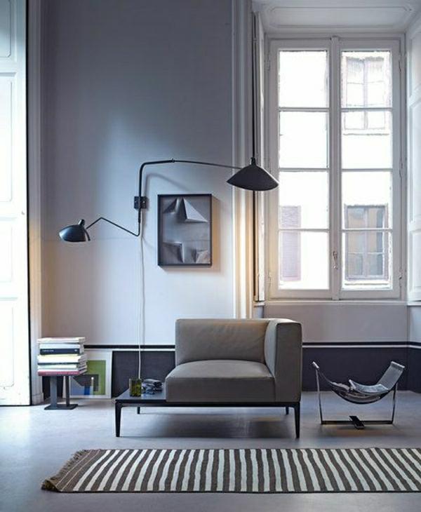 lampe-de-lecture-noir-tapis-aux-rayures-fenetre-grande-sol-en-lin-gris