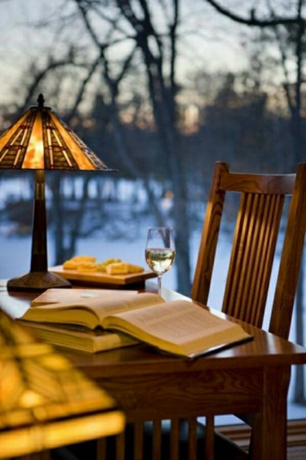La lampe de lecture un accessoire ou plut t une n cessit for Lampe dehors