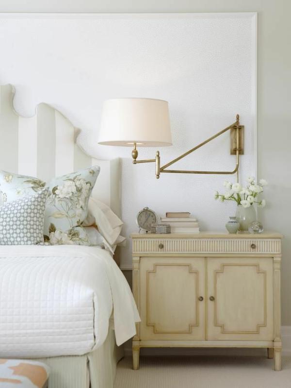 lampe-en-or-chambre-à-coucher-table-de-nuit-baroque