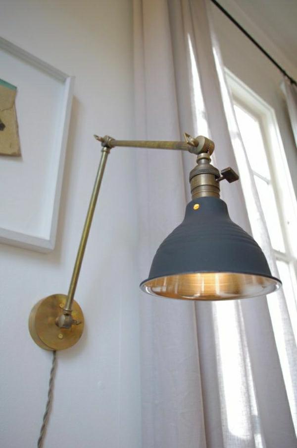lampe-liseuse-en-fer-pour-livre-aménagement-moderne-murs-blanc-salon-commode