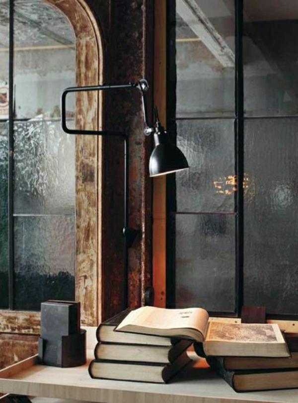 lampe-liseuse-noire-bureau-de-travail-chambre-affaires-deco-vintage