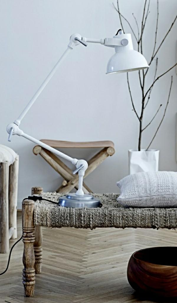 lampe-pour-livre-blanc-salon-de-style-rustique-meubles-en-bois