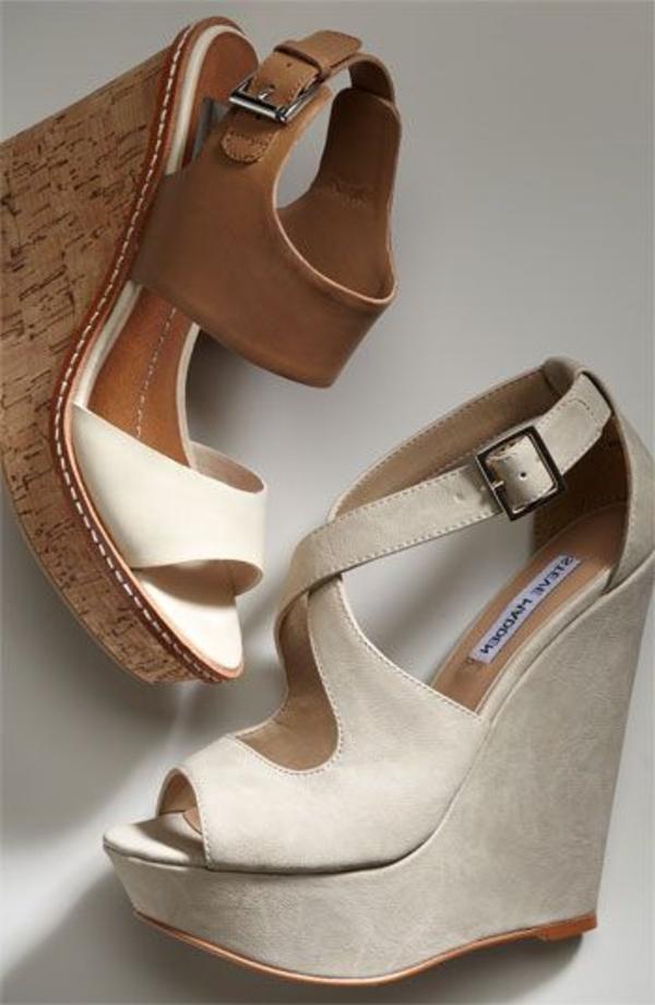 les-sandales-compensées-marron-en-or-femme-mode-ete-beige