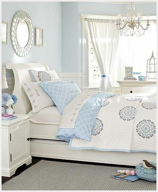 lits-couvre-jeté-lit-coussins-pièce-à-coucher-tapis