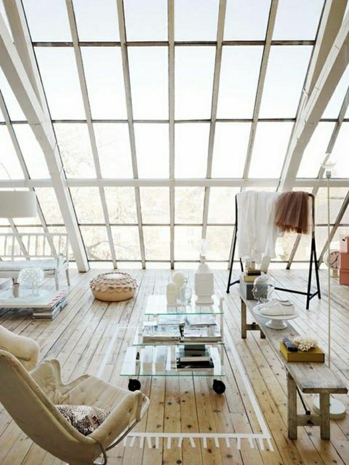 loft-atelier-atypique-chambre-en-bois-fenetres-grandes-plafond-en-verre