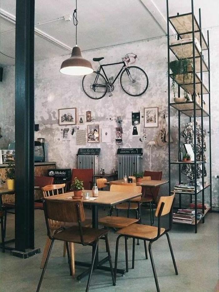 loft-moderne-meuble-industriel-vélo-décoratif-déco-mural-salle-de-séjour