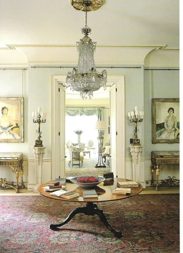 lustre-en-cristal-petite-table-baroque