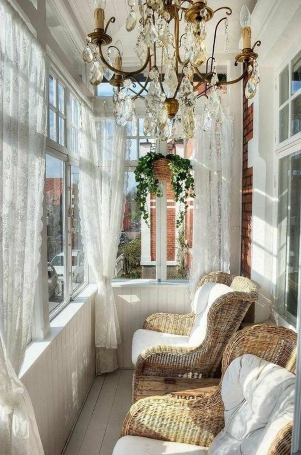 lustre-en-cristal-pour-le-balcon-vintage