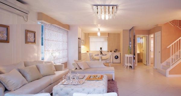 lustre-en-cristal-salle-de-séjour-à-plan-ouvert