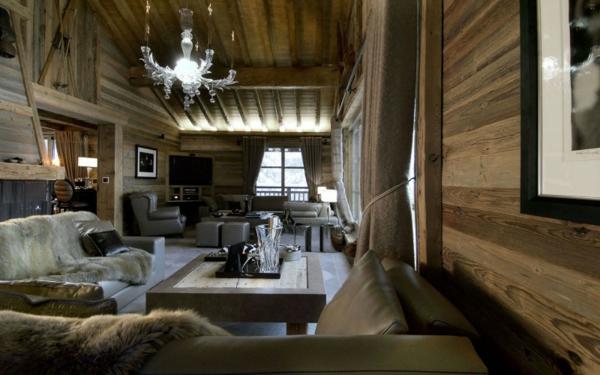 lustre-en-cristal-un-chalet-contemporain-intérieur-en-bois