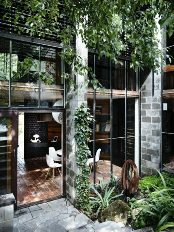 maison-chambre-vaste-meuble-industriel-mobilier-industriel-extérieur-maison-en-verre