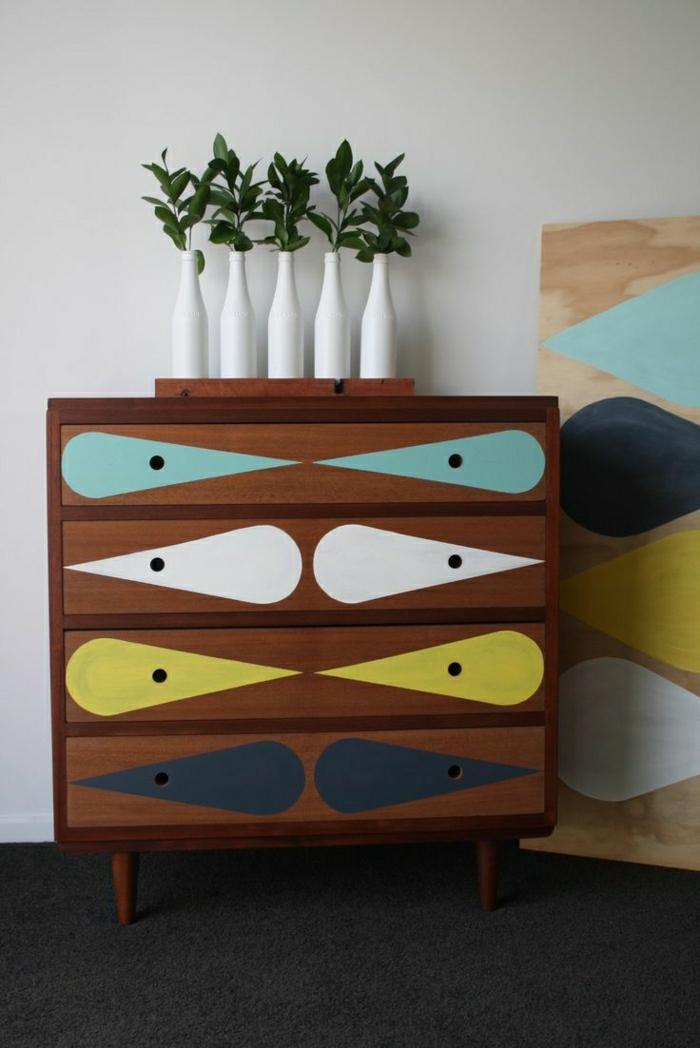 meuble-d-entrée-en-bois-coloré-cube-de-rangement-en-bois