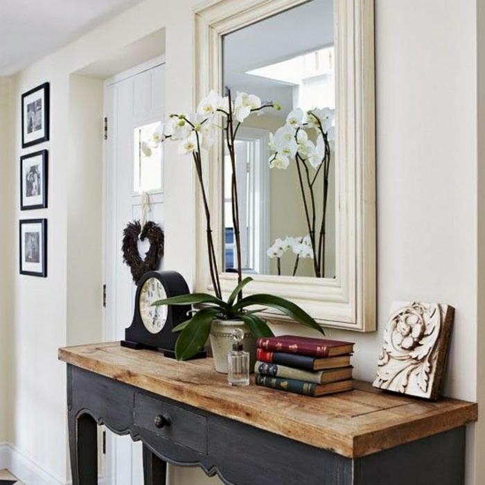 meuble-d-entrée-en-bois-miroir-fleurs-blanc-peintures-murales-idée-déco