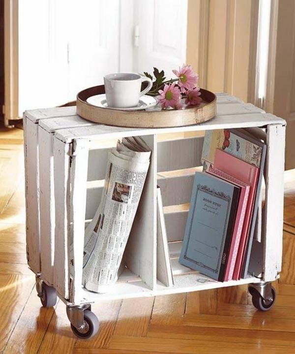 meuble-en-palette-table-basse-blanc-livres-fleurs-parquet