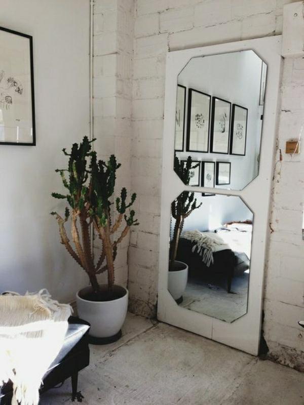 miroir-industriel-plantes-vertes-murs-blanc-peinture-aménagement-industriel