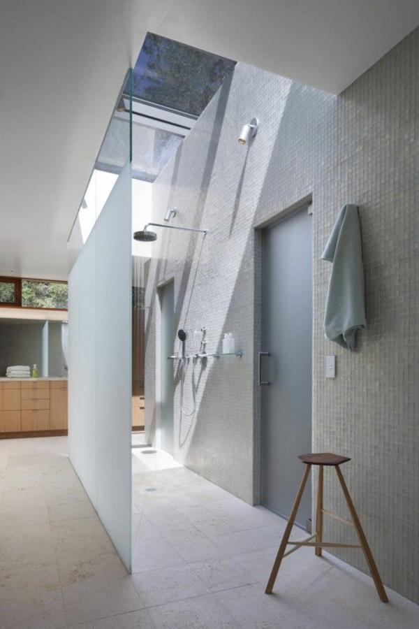 Une salle de bain sous pente ou sous combles en 52 photos for Salle de bain de 9m2