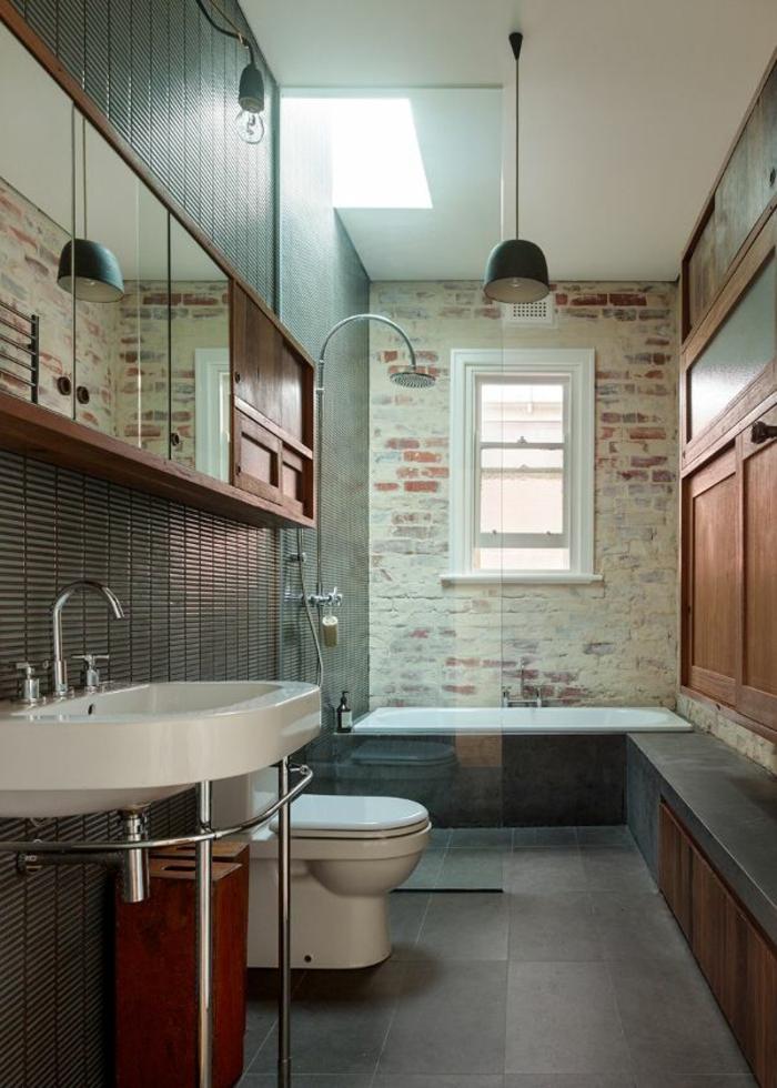 mur-en-brique-dans-la-salle-de-bains