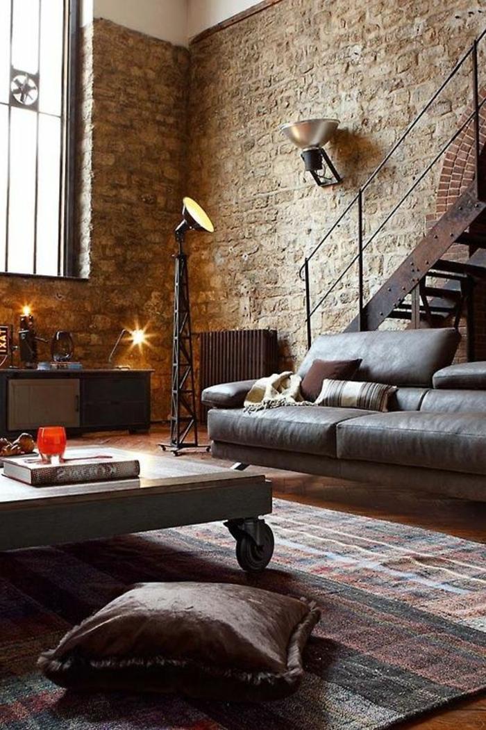 mur-en-brique-escalier-loft-en-fer-table-loft-sur-roues