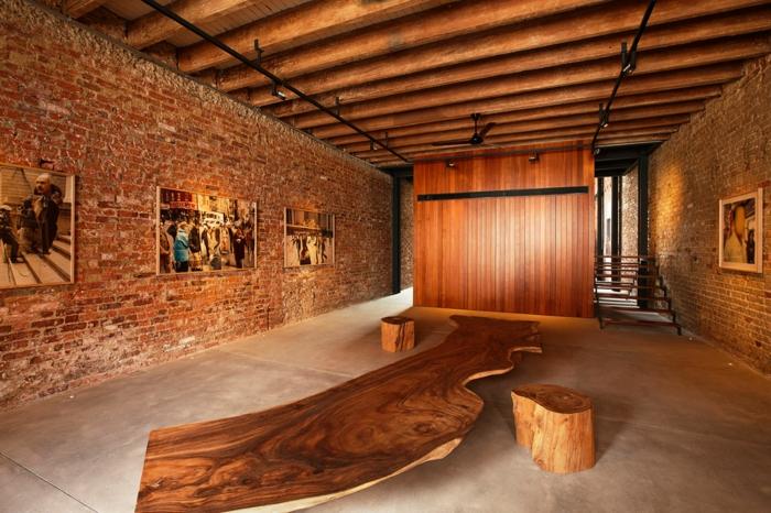 Le mur en brique d cors spectaculaires - Mur interieur en bois ...