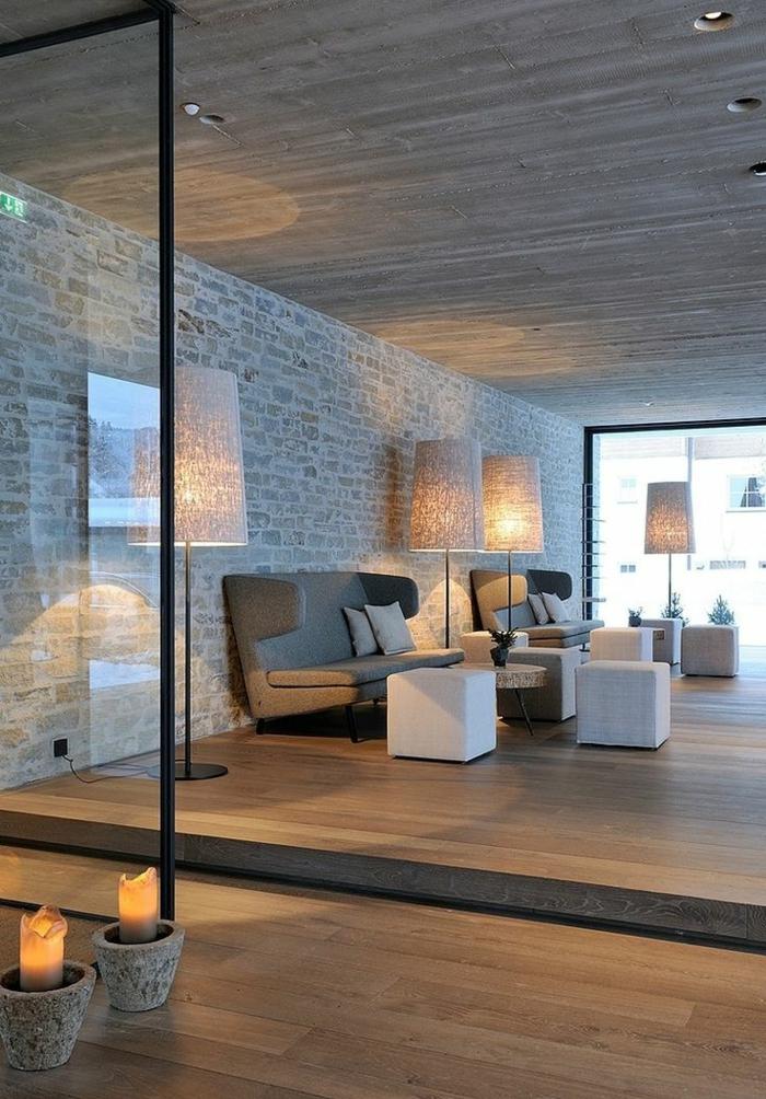 mur-en-brique-intérieur-simple-stratifié-bois-et-briques
