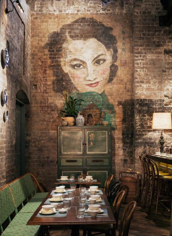 mur-en-brique-peinture-sur-briques-dans-la-salle-de-déjeuner