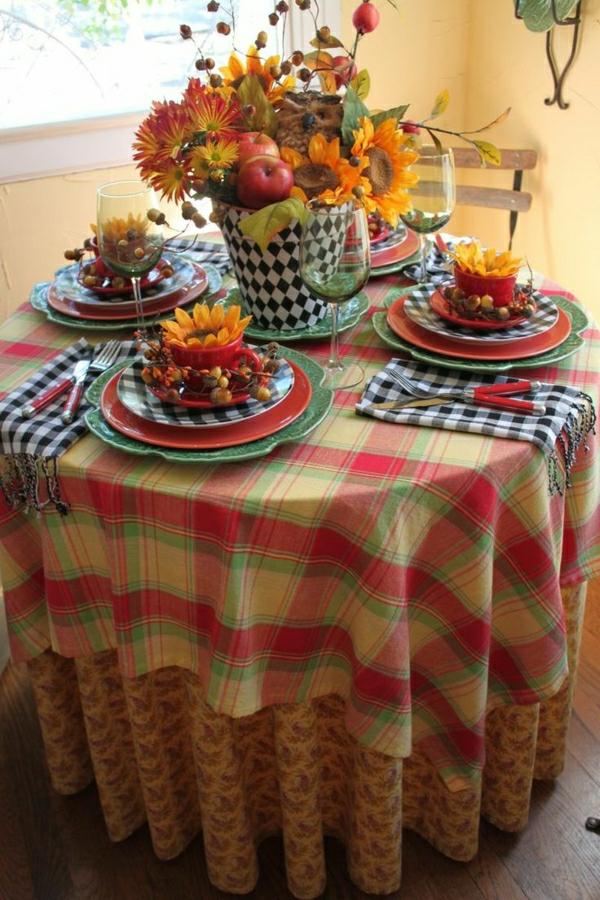 nappe-colorée-de-table-ronde-nappe-ronde-fleurs-décoration-de-table-serviette-aux-carreaux