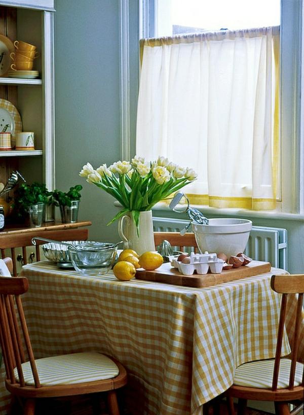 nappe-de-table-aux-carreaux-jaune-blanc-fleurs-vertes-jaunes-citronniers