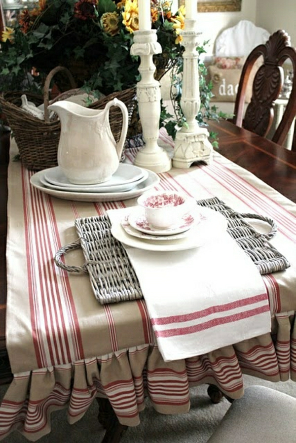 nappe-en-tissu-beige-blanc-rouge-bougie-table-set-de-table-moderne