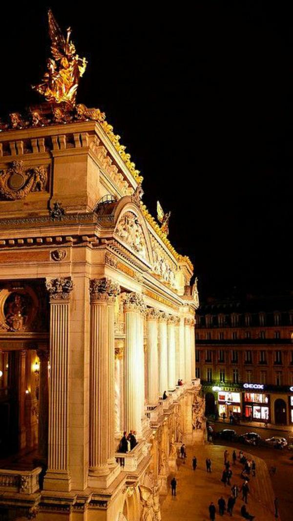 opera-garnier-paris-architecture-ornament-riche-formidable