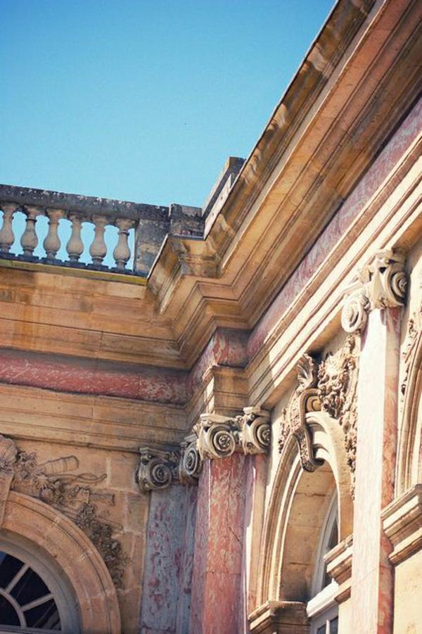 ornament-architecture-classique-extérieur-chateau-baroque