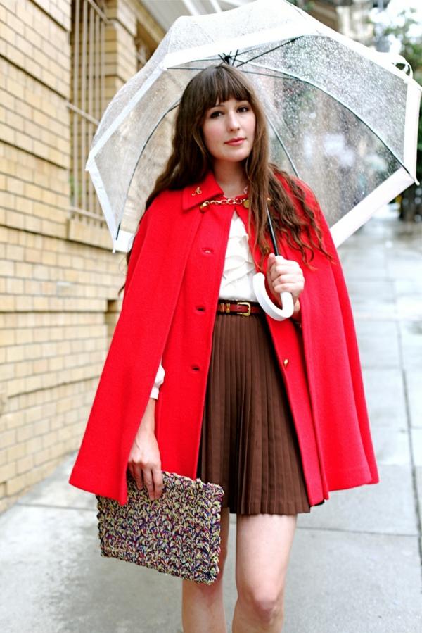 parapluie-transparent-aux-rebors-roses