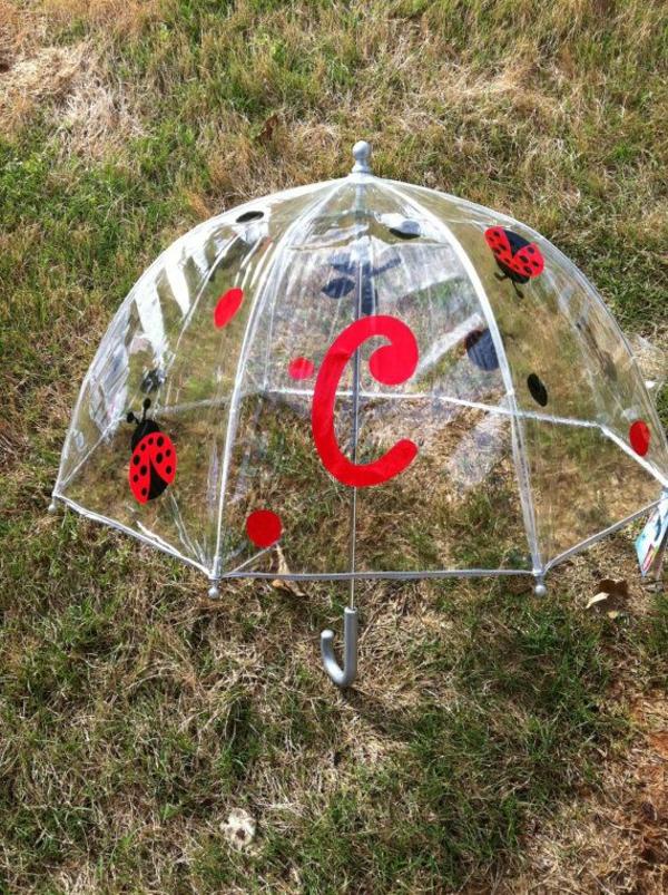 parapluie-transparent-avec-prints-de-coccinelles