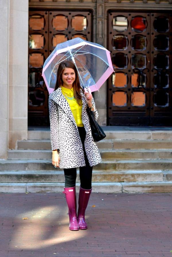 parapluie-transparent-avec-une-touche-de-rose