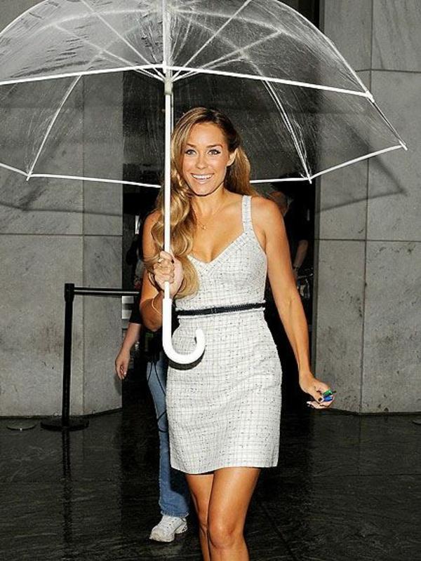 parapluie-transparent-un-grand-parapluie