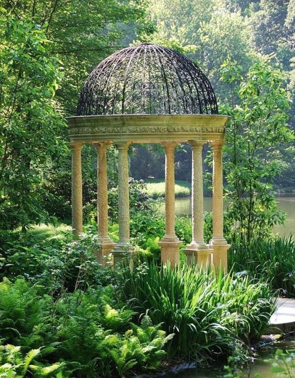 pavillon-de-jardin-en-pierre-jardin-vert-lac-au-bord-du-lac